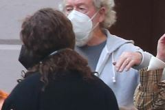 40291938-9345859-Staying_safe_The_iconic_producer_sported_a_face_mask_in_accordan-a-76_1615377362190-–-kopia